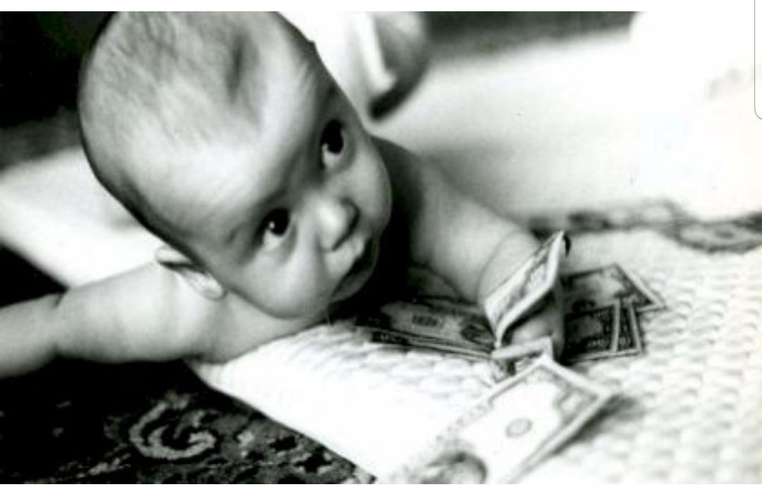 O româncă și-a vândut bebelușul! Cât a cerut femeia pentru nou-născut