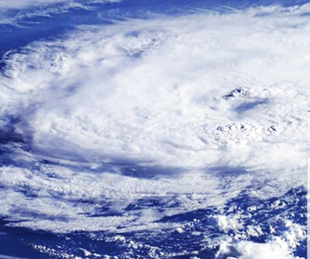 Cum s-a format ciclonul din Marea Neagră și ce afecte grave are. România este vizată